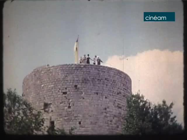 Visite du Général De Gaulle ; Fête au château de Dourdan ; Course Paris-Nice